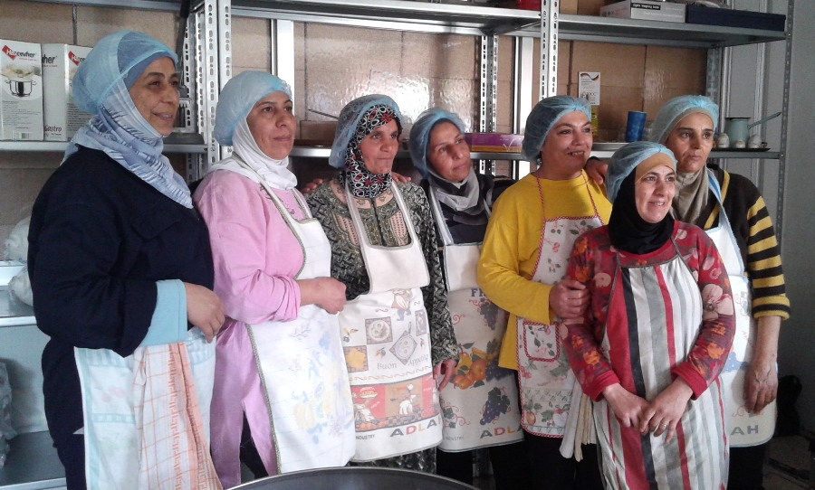 The cooking ladies of Khiara CK