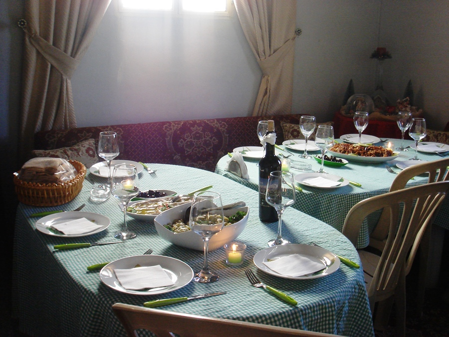 The beautifully set table of Noha
