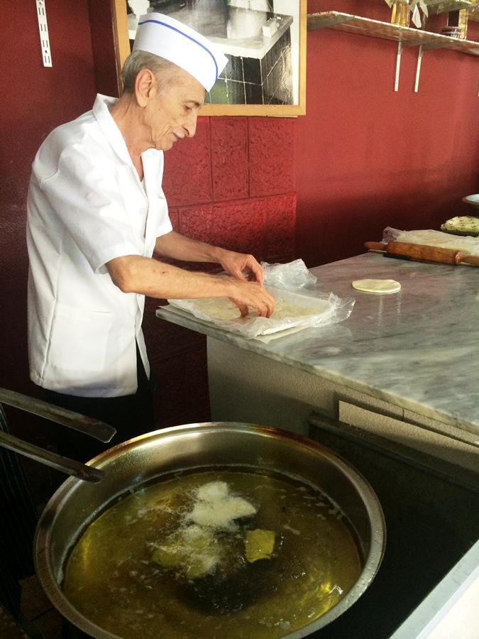 """Frying the """"Tamriyyeh"""""""