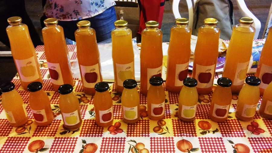 Natural apple juice from Tannourine